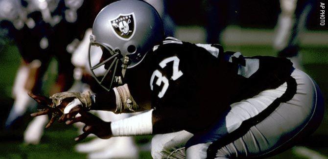 Oakland Raider Images - Lester Hayes