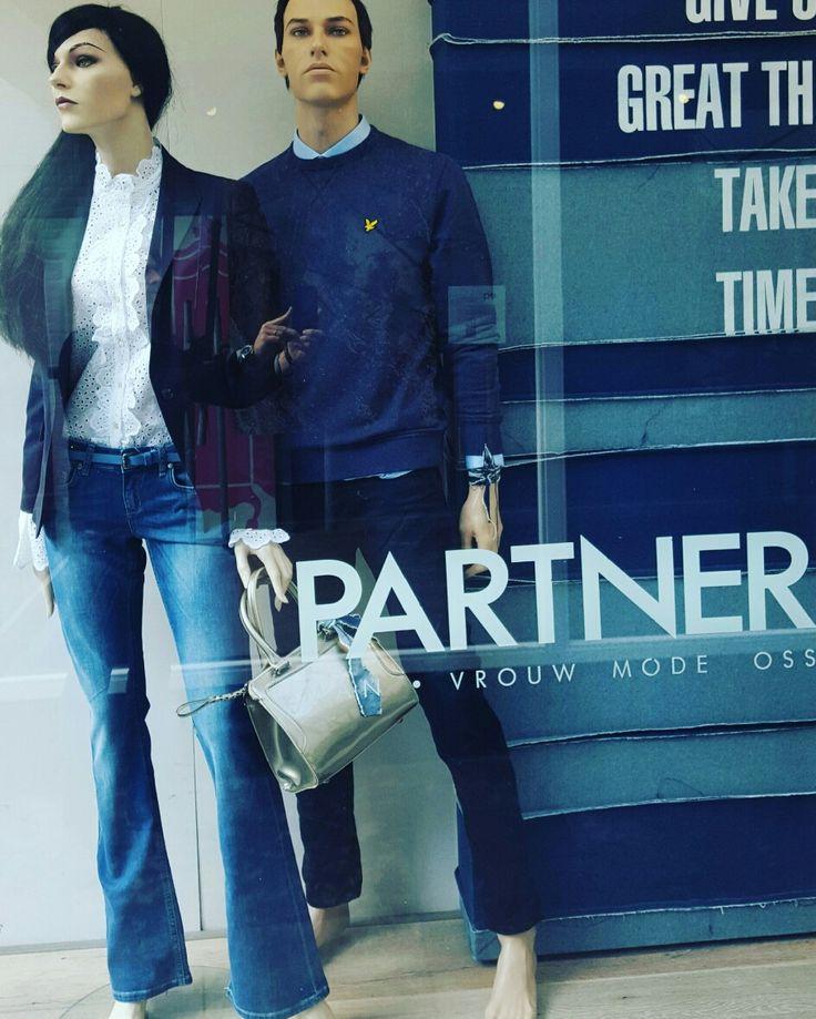 Flare jeans Eden Schwartz brocante blouse @maisonscotch blauwe blazer @drykorn_forbeautifulpeople sweater @lyle&scott jeans @gabba widespread blouse @drykorn_forbeautifulpeople Bag @paulsboutiquebenelux www.partnermode.nl