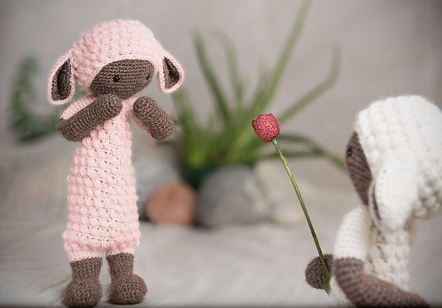 Amigurumi Dolls By Artist Lydia Tresselt : 1000+ images about Amiguruimi on Pinterest Girl dolls ...