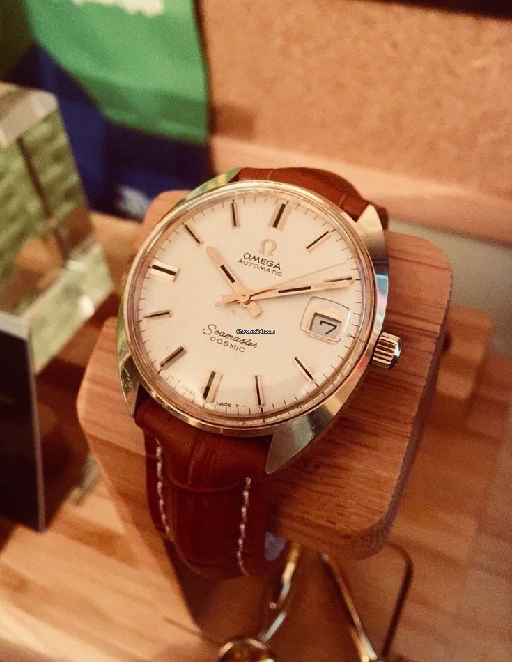 Omega Seamaster ad: £899 Omega Seamaster Cosmic genuine vintage watch cal 565 gold 1968 Gold/Steel; Automatic; Condition 2 (fine); Year 1960-1969; With box; Location: United Kingdom,