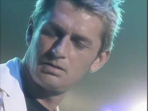 Mike Oldfield - Secrets/Far above the clouds (live)