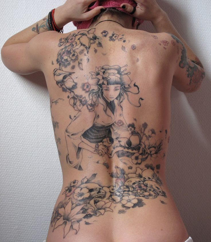Tattoo Trends – tatouage-femme-abstrait-21