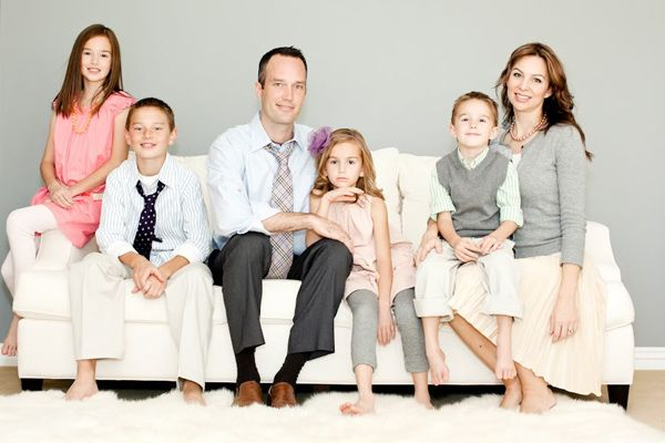 50 ideas for family portraits. Great dressing/coordinating examples!