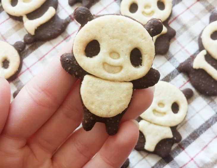 Pomysł na ciasteczka w kształcie Pandy - Panda's cakes. Idealne na przyjęcie urodzinowe dla dzieci. #mistrzowiewypiekow #panda #cake #ciastka #smieszne #wypieki