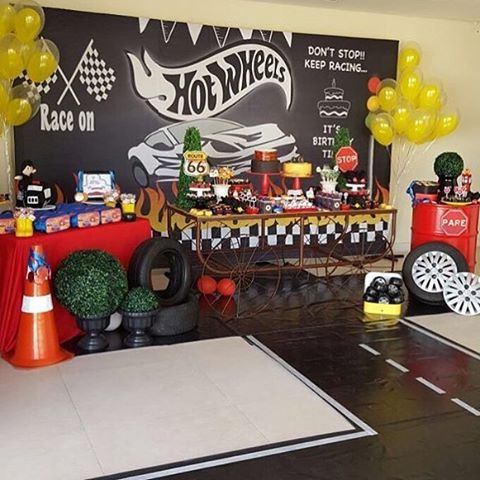Festa Hot Wheels super bacana por @mixfestasdf  #kikidsparty