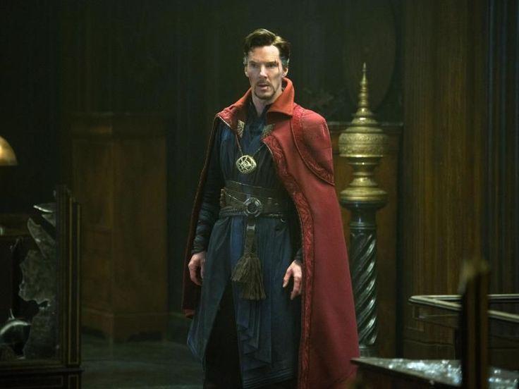 Als Superheld «Dr. Strange» hat der britische Schauspieler Benedict Cumberbatch die Spitze der nordamerikanischen Kinocharts erobert. Der Action-Film spielte am Wochenende bei seinem Debüt an den Kinokassen in den USAund Kanada rund 85 Millionen Dollar (etwa 76 Millionen Euro) ein und setzte sich damit