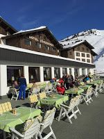 Skiing vacation in the Alps: best mountain hotel in Austrian and Swiss Alps