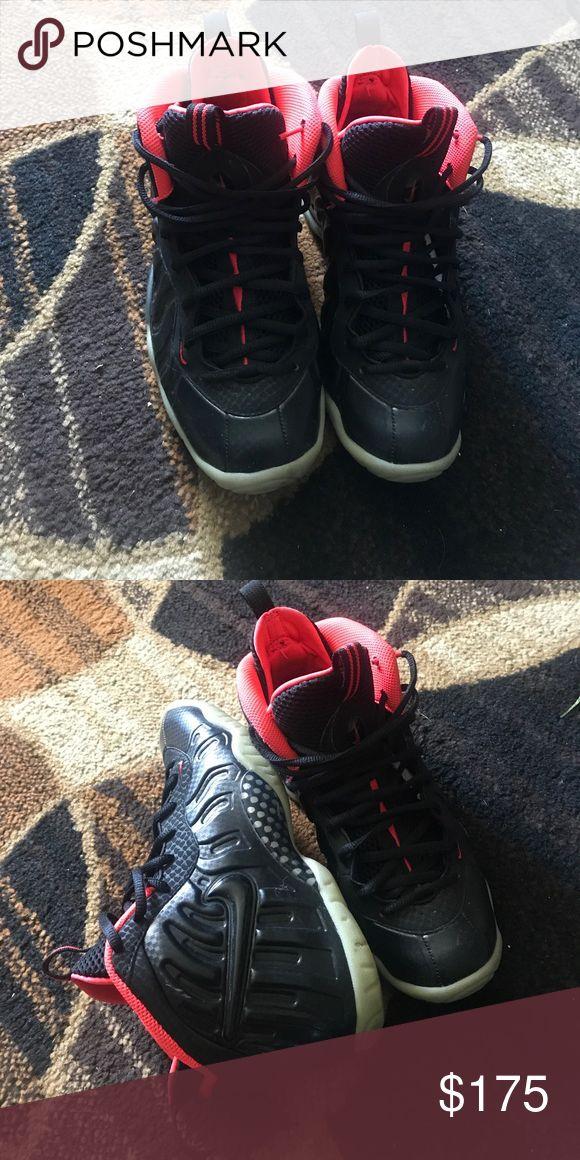 Air yeezy foamposite Lightly worn, glow in the dark Nike Shoes Sneakers