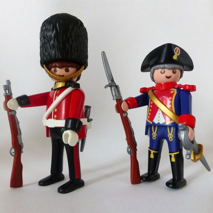 PLAYMOBIL Special - 4577 royal guard (2000) +  4611 guard officer (2003)