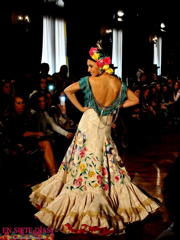 trajes flamenca cristina garcia - Buscar con Google