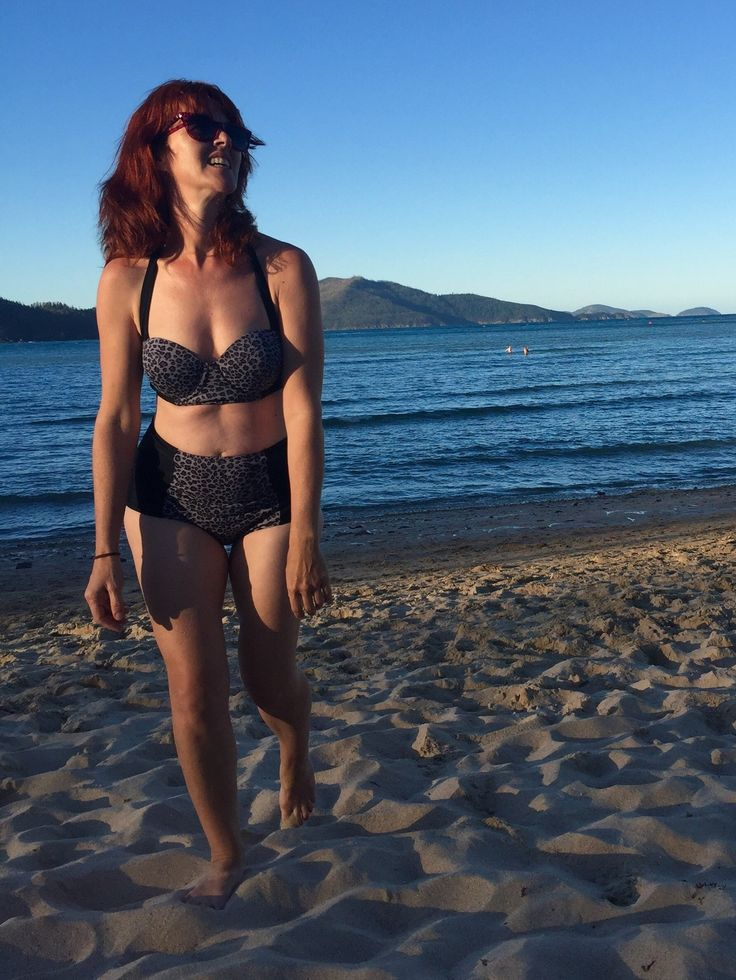 Kate's Sophie Swimsuit // Closet Case Patterns https://sewingwithkate.wordpress.com/2017/07/22/swimwear-baring-all-for-the-greater-good/