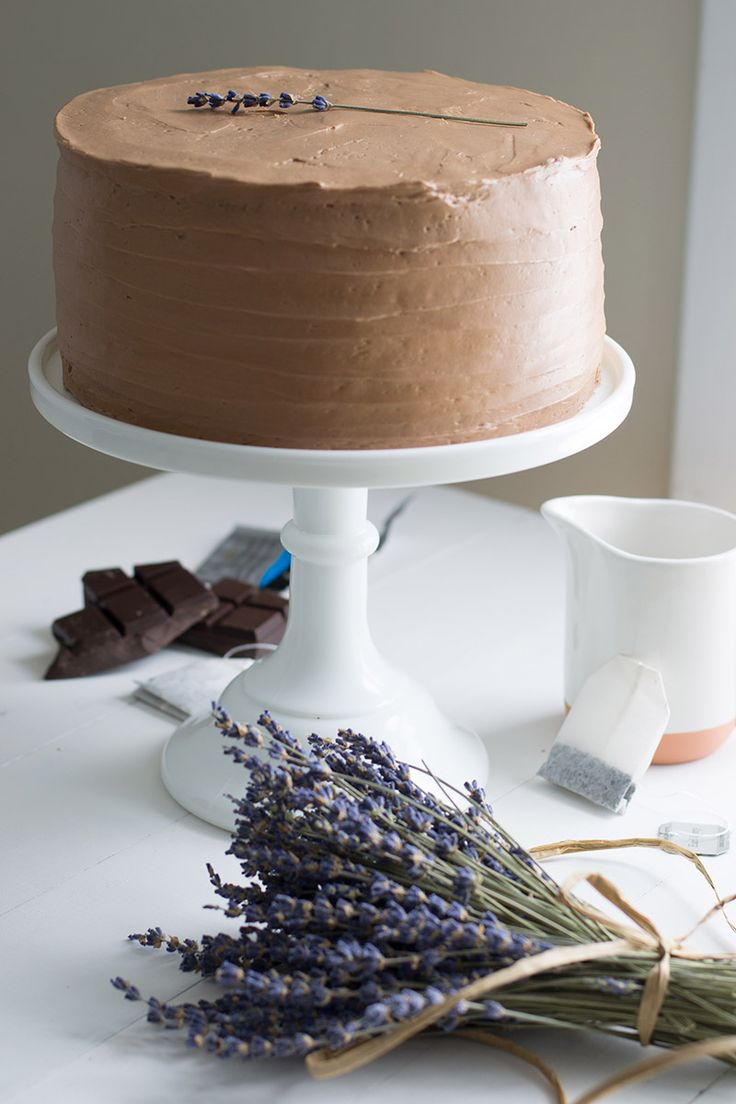 Earl Grey Cake with Chocolate Lavender Frosting | siftandwhisk.com
