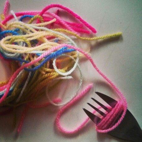 Pompones con tenedor