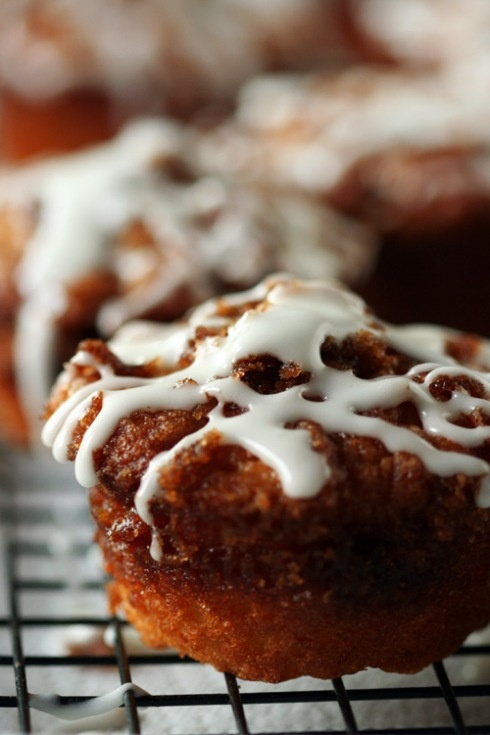 Easy Cinnamon Roll muffins,Made in muffin tin, with yeast, but don't ...