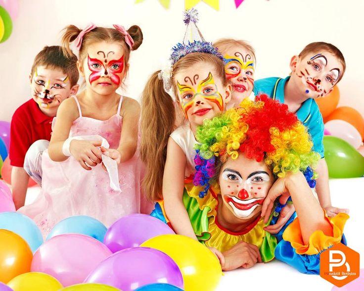 Düşüncelerini hiç çekinmeden dile getiren, içi dışı bir, kocaman yürekli çocuklarımız masumane gülüşleriyle geleceğe umut taşıyorlar. Hayatımızı güzelleştiren tüm dünya çocuklarının 23 Nisan Ulusal Egemenlik ve Çocuk Bayramı'nı kutluyoruz.