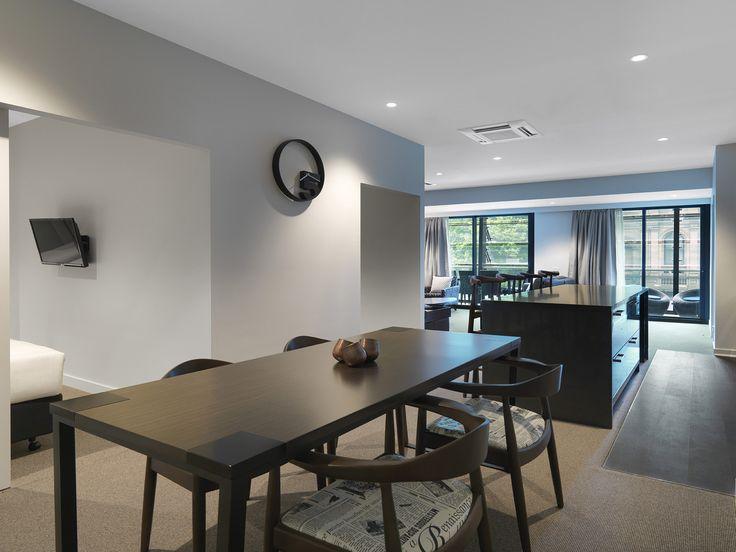 Dining, 3 Bedroom Grand | Wyndham Hotel Melbourne