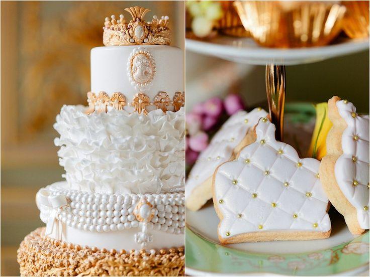 Marie Antoinette inspired wedding cake | Cakes by Krishanthi | Fetcham Park | www.eddiejuddphotography.com