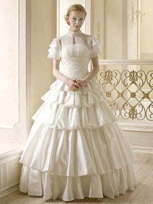 清楚なドレスを選びたい♡フォーマルな花嫁衣装を着たい!ドレス参照一覧まとめ♡