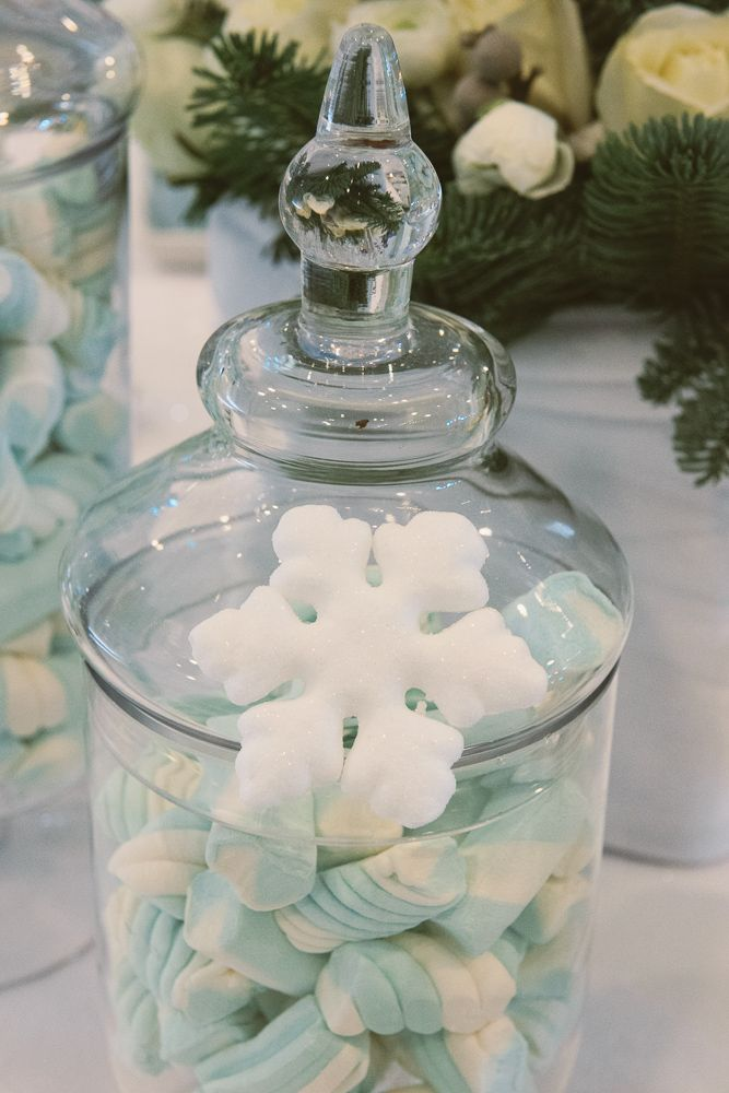 #Snowflakes dessert table details