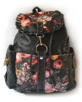 Mochila Rosas Negra. Cuero sintético. Visítanos en tuakiti.com #mochila #backpack #viaje #travel #tuakiti
