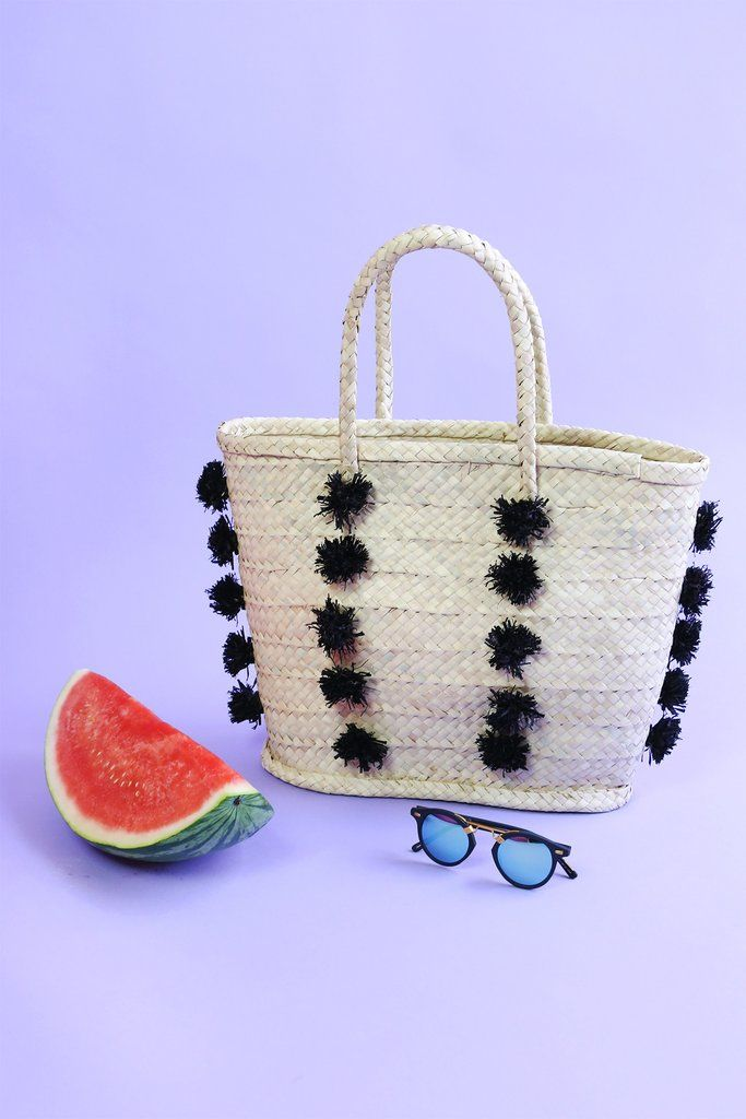 27 Playful Straw Bags for Every End-of-Summer #OOTD via @britandco
