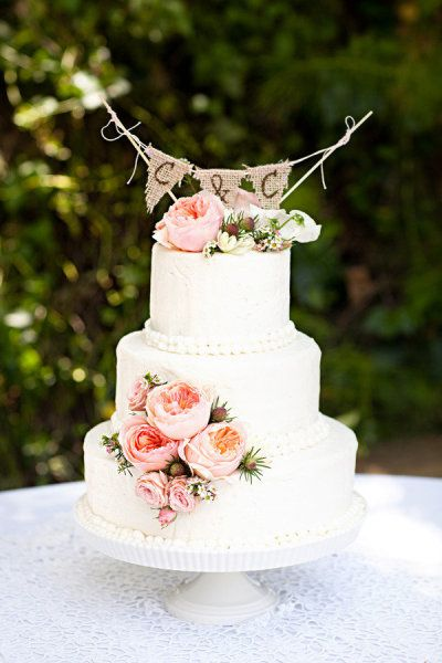 Love this garden party style wedding cake, goes with our Garden Party invitation perfectly!: Cakes Ideas, Floral Design, Weddings, Simple Cakes, Cakes Toppers, Burlap Banners, Wedding Cakes, Flowers, Blushes Peonies