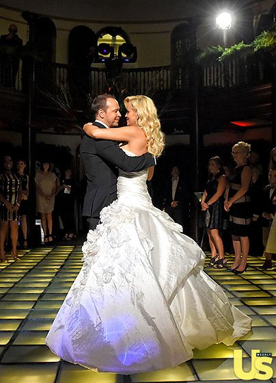 "Jenny McCarthy and Donnie Wahlberg's first dance was to ""Edelweiss"" from The Sound of Music."