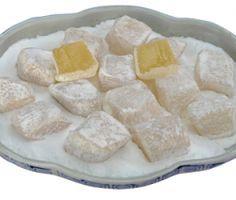 Νόστιμα λουκούμια Χίου με μαστίχα, αμύγδαλα και ροδόνερο