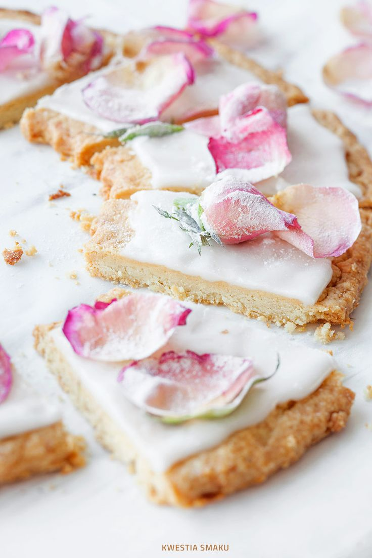 Almond mazurek with lemon icing & rose petals