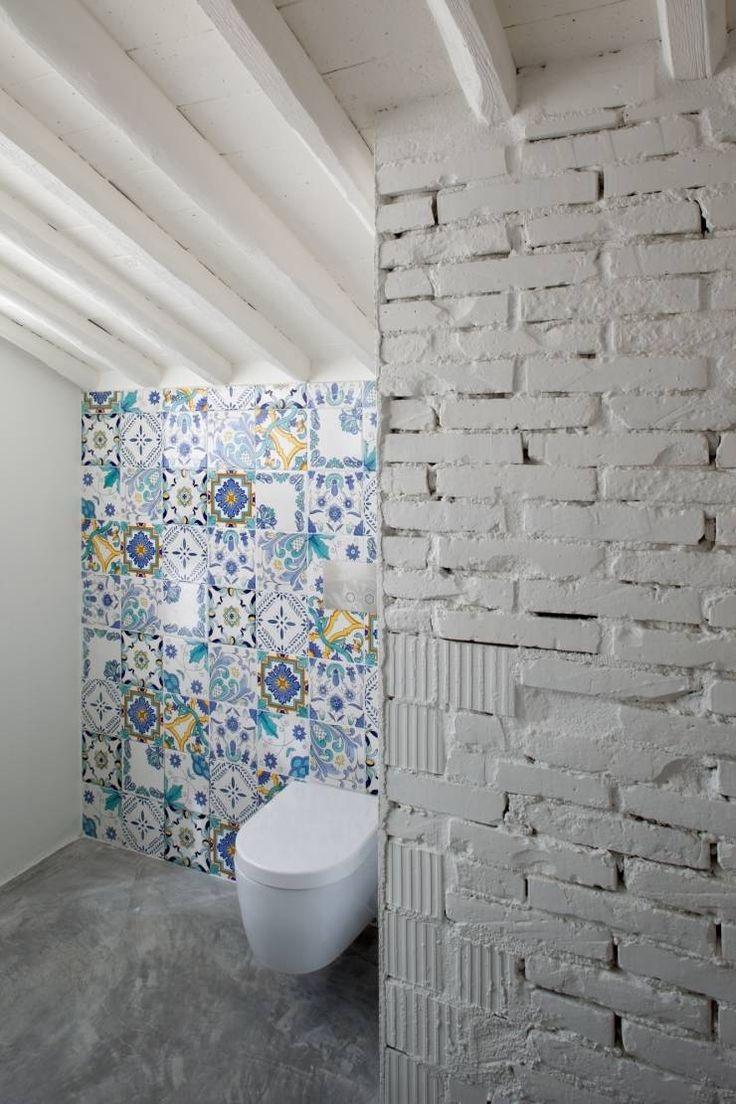 037_CASALE IN CAMPAGNA : Bagno in stile in stile Rustico di MIDE architetti