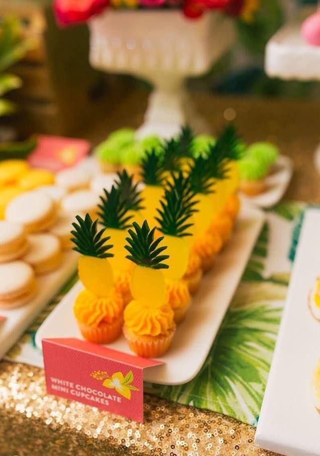 Cupcakes decorados superfofos  para tema Abacaxi em Pineaple Party