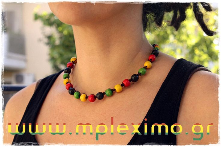 wooden beads macrame necklace, from www.mpleximo.gr