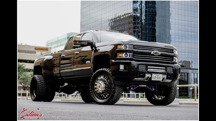 BIG LOUD AND FAST Chevy High Country DUALLY burns out 24s American Force...