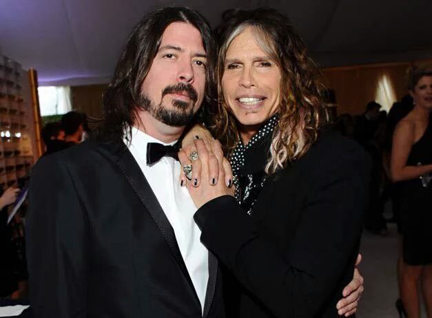 I wish I was as close with my mom as Dave Grohl is with his.