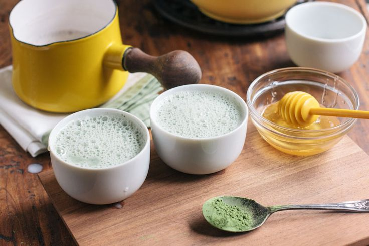 Matcha Green Tea Latte Recipe.  I'm definitely going to try this sometime!