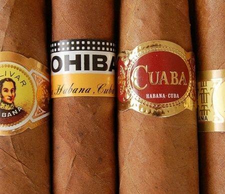 Voor de echte levensgenietende vaders:  Bij Cuban Cigars in Amsterdam kun je je vader de beste sigaren laten proeven, want er niets mis met een goede sigaar op zijn tijd.