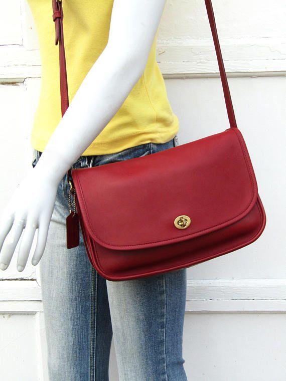 d4f445736b170 Vintage Coach City Bag    Red Leather City Bag    Classic