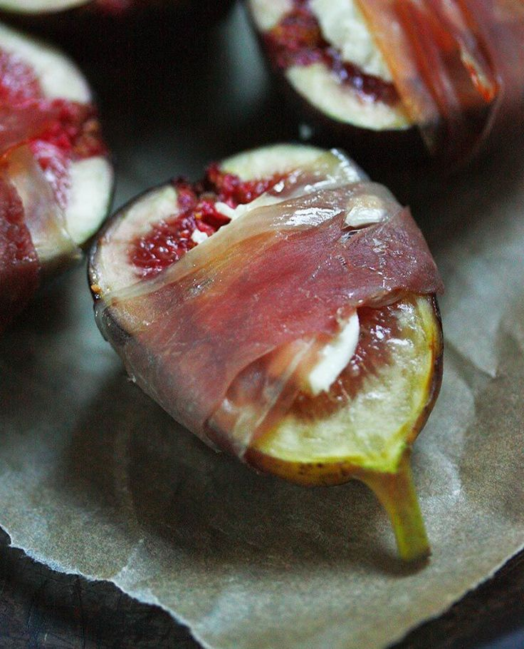 Figs Prosciutto from SoupAddict.com - An amazing appetizer, figs prosciutto is sweet, salty, and smoky, all in one bite, thanks to goat cheese and a prosciutto wrapping.