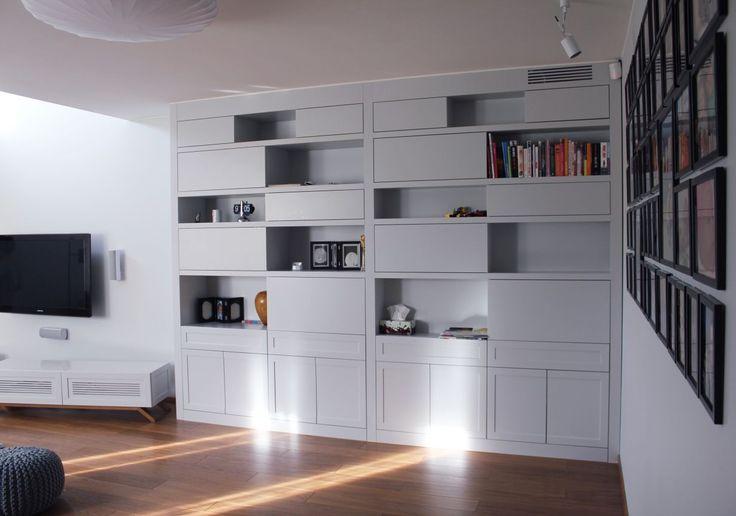 regał na wymiar z polakierowanym mdf custom made bookshelf to the living room #regał #bookshelf #shelves #mdf #books #książki #biały #white #meble #furniture #dom #home #mieszkanie #nowemieszkanie #instasize #photooftheday #warsaw #warszawa #poland #design #decor