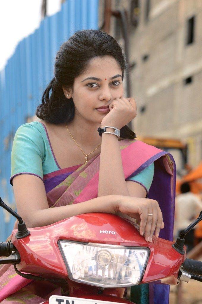 Bindu Madhavi in Tamiluku En Ondrai Aluthavum movie. #Kollywood #Fashion #Style #Beauty