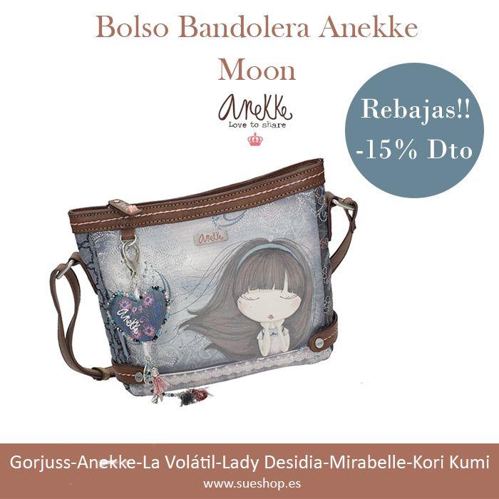 """Bolso Bandolera Anekke de la nueva colección """"Moon"""", con amplio compartimento principal con cremallera, varios bolsillos interiores y un bolsillo exterior en la parte trasera, también con cierre de cremallera. Con correa regulable para llevar el bolso colgado al hombro o bien en bandolera.  @sueshop_es #anekke #bolso #bandolera #complementos #rebajas #descuento #oferta"""