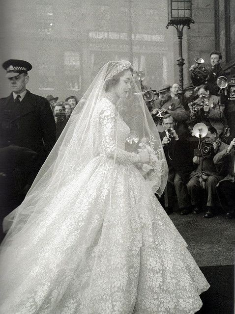Jane O'Neil's wedding dress, 1953  Former model married the Earl of Dalkeith.