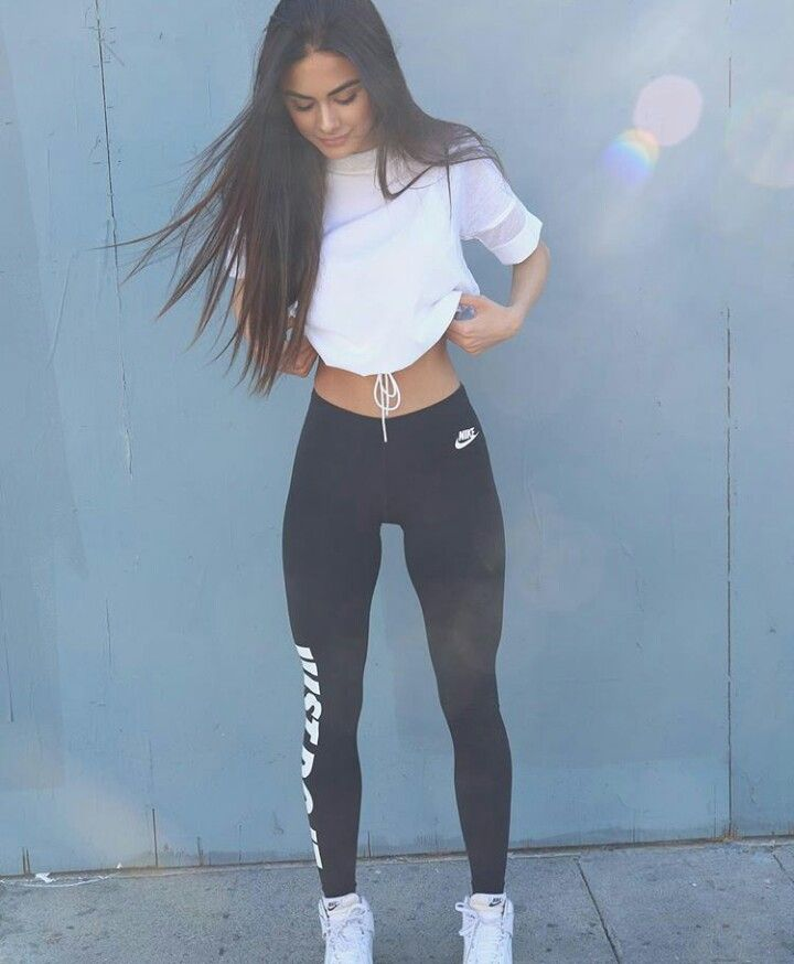 Outfit // workout // fitness // white tee // basic // simple // casual // nike leggings // air forces