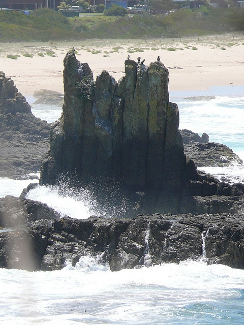 Rock Formation in Jervis Bay (Australian Capital Territory), Australia;  photo by IAGD+P, via Flickr