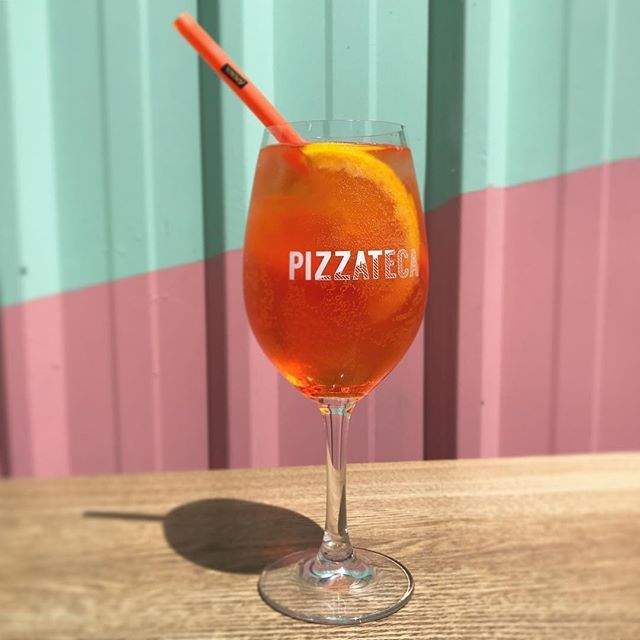 Here's to the first weekend of summer 🍹#pizzateca #mclarenvale #oztalia @vmitoloandson #aperolspritz