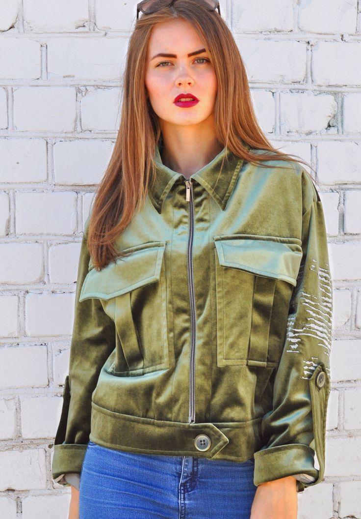 Стильная куртка/ Молодежная мода/ Бренд/ Осень/ Осенние тренды 2017 #fashion #clothes #model #shop #internetshop #follow #like #lux #girl #одежда #женскаяодежда #интернетмагазинженскойодежды #моднаяженскаяодежда