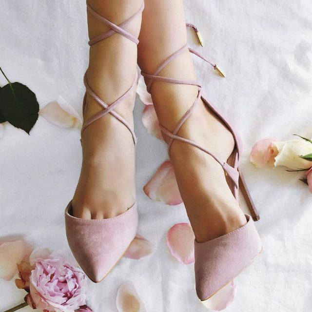 EDITOR'S NOTE Hot Lace Up Pointed Toe Heels These hot pumpsarean absolute must for the winter! Available to buy in multiple colors…