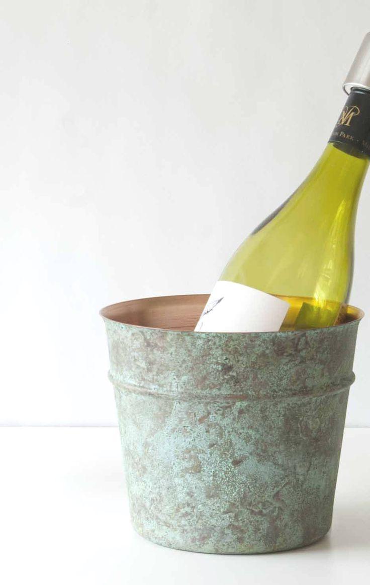卓上に置いてワインやお酒のミニボトルを冷やしても
