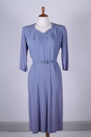 Vintage tøj - Lyselilla kjole med broderi 1940. L - Vintage kjoler fra 1940'erne - Vintage Divine - 1