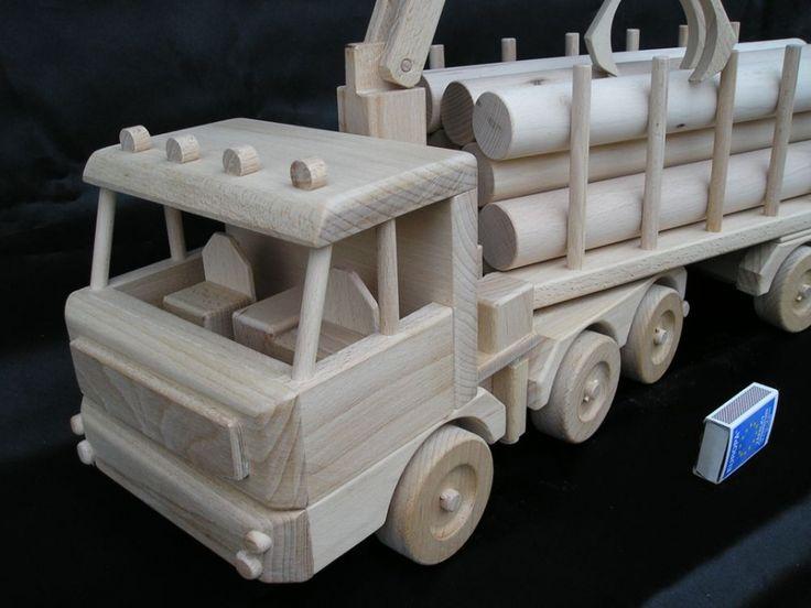 Lesní tahač dřeva - dřevěná hračka. 2662,- Kč